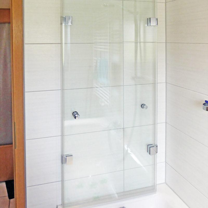 Faltbarer Badewannenaufsatz, geöffnet