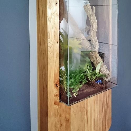 UV-verklebtes Terrarium aus Weissglas