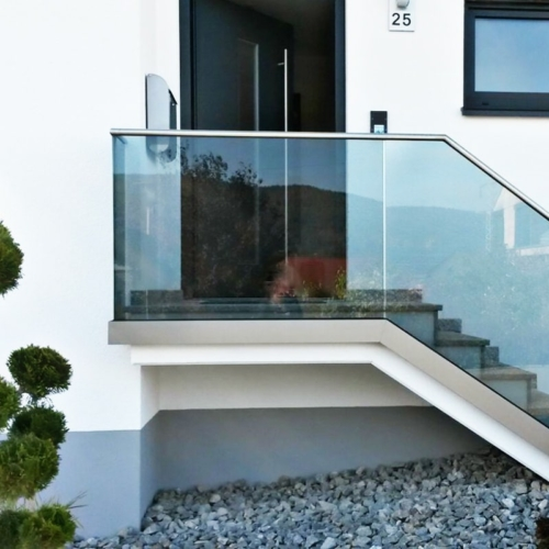 Treppenverglasung mit VSG Folie grey