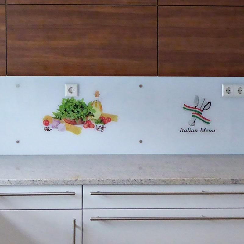 Küchenrückwand mit Digitaldruck und Senkpunkthaltern