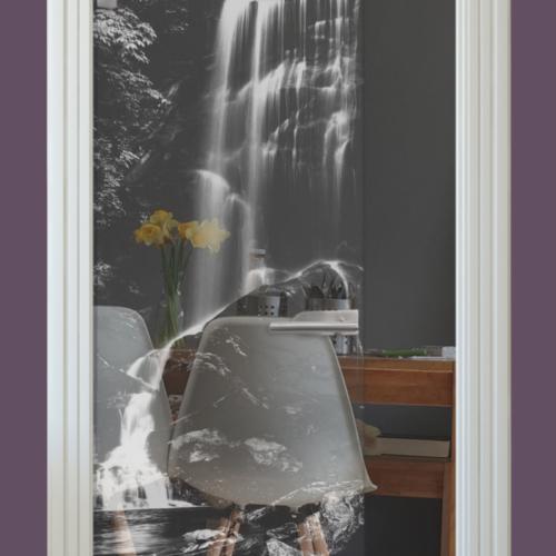 Lasermotiv auf Glastür klar, Wasserfall