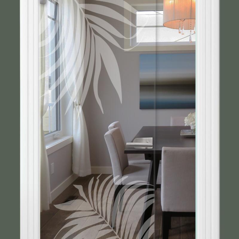 Sandstrahlmotiv auf Glastür klar, Blatt